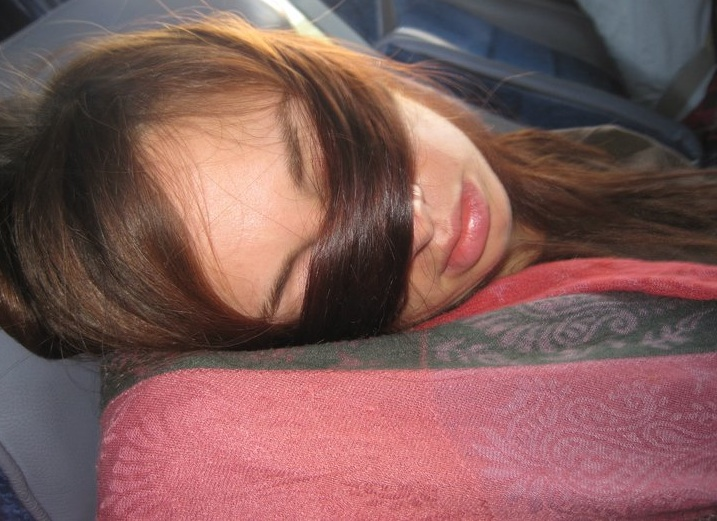 5 Tips for Helping You Sleep Better During a Flight