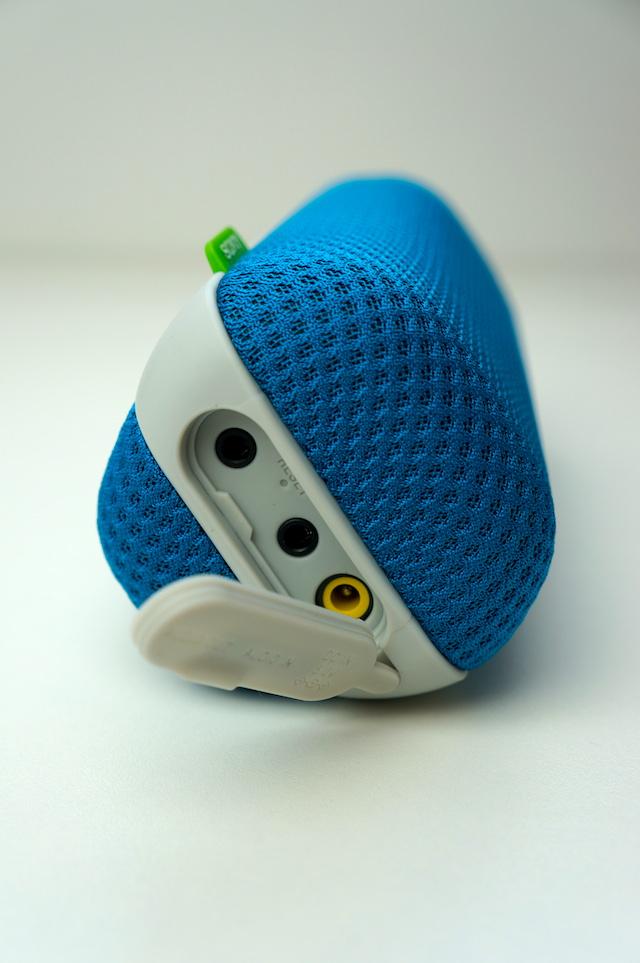 Sony SRS-BTS50 Ultra-portable Wireless Speaker 3