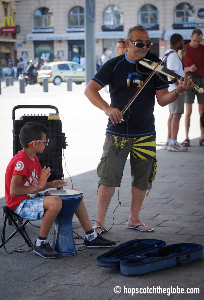Marsaille Street Performer