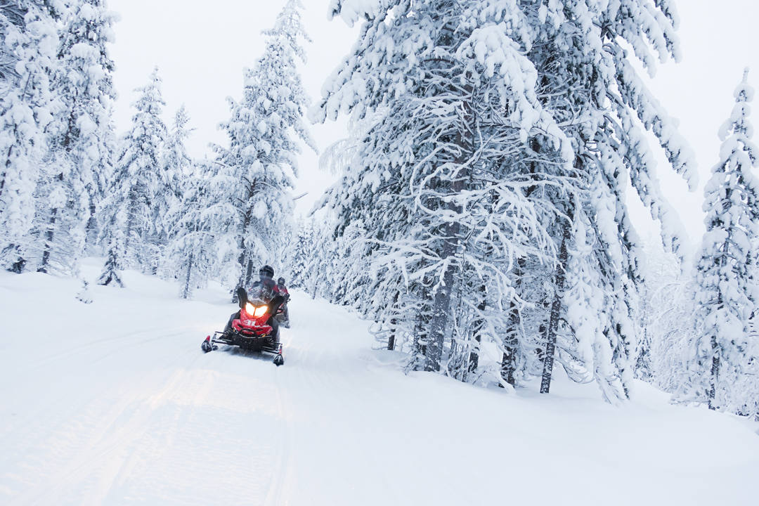 Snowmobiling in Finland_2