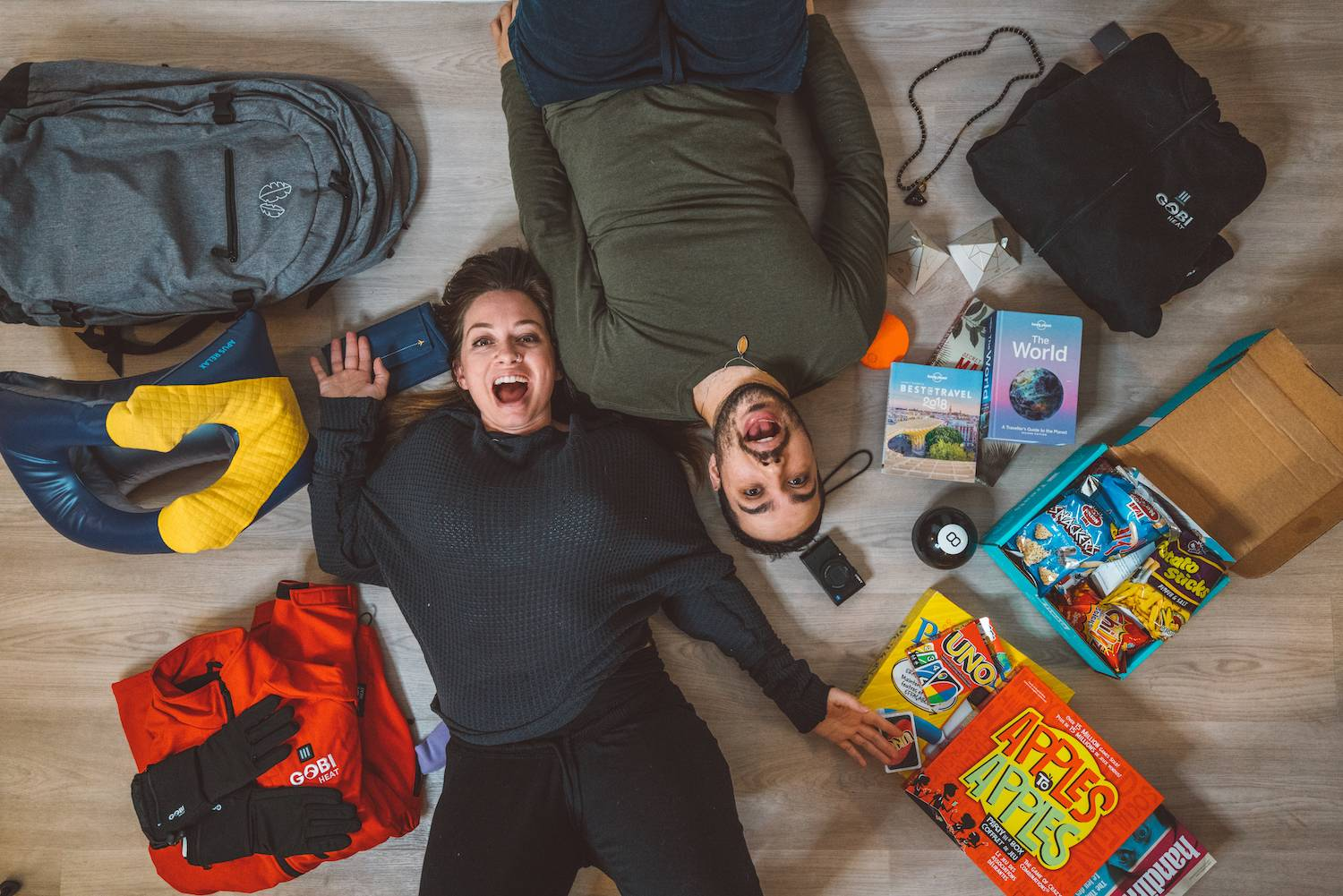 Best Holiday Gift Guide for Travel 2018 + GIVEAWAY