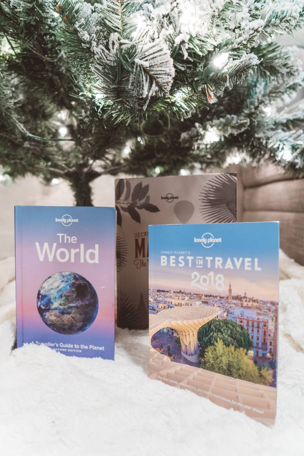 Lonely Planet Guide Books best holiday gift ideas for travel